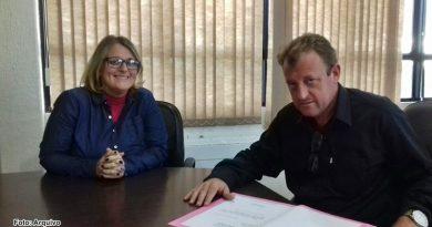 Vereadora pede aumento de remuneração aos estagiários de Palmares