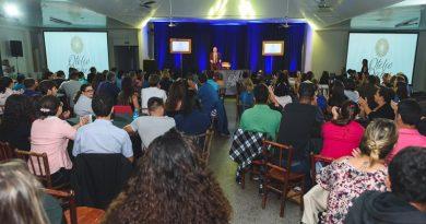 Palestra de Otelio Drebes lotou o Centro Comunitário Capivari